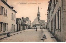 [56] Morbihan > Port Louis -RUE NOTRE DAME ET L'EGLISE- Animée- NON  Circulée TBE - Port Louis