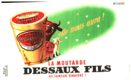 M D/Buvard Moutarde Dessaux (Format 17 X 11)  (N= 2) - Mostard