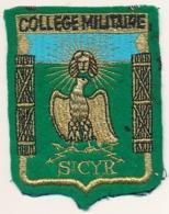 Ecusson Brodé : Collège Militaire De Saint-Cyr (Yvelines) - Patches