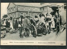 CPA - 1914... Troupes Anglaises à FREETOWN, Très Animé - Guerre 1914-18