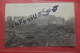 Cp Mailly Le Camp Une Ferme Bombardee Et Incendiee Par Les Allemands , N 441 - Mailly-le-Camp