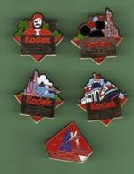 EURO DISNEY *** KODAK *** Lot De 5 Pin's Differents *** 1046 (22) - Disney