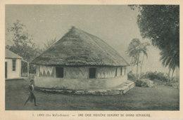 AN 877 /  C P A   -  OCEANIE  LANO ILES WALLIS  UNE CASE INDIGENE SERVANT DE GRAND SEMINAIRE - Wallis-Et-Futuna