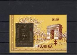 Bloc-souvenir Dentelé De Fujeira,  Général De Gaulle Et L'Arc De Triomphe.Portrait Doré. - Blocs Souvenir