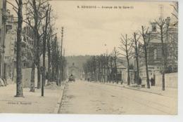 SOISSONS - Avenue De La Gare (travaux Avec échafaudage ) - Soissons