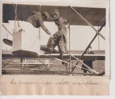 LA PREMIERE JUPE CULOTTE EN AEROPLANE  18*13CM Maurice-Louis BRANGER PARÍS (1874-1950) - Aviación