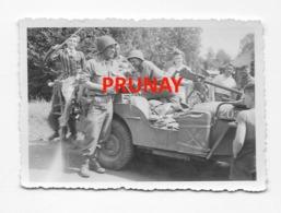41   PRUNAY   3 PHOTOS  RARES  ARRIVEE DES AMERICAINS  LE 16  AOUT 1944     VOIR LES SCANS  SCANS - France