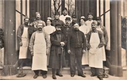 Rare Carte-photo Groupe De Militaires Hôpital Militaire Guerre 14-18 - 1914-18