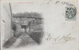 55 - CLERMONT EN ARGONNE - PASSAGE VOUTE CONDUISANT A LA GARE - EDIT MATHIEU - Clermont En Argonne