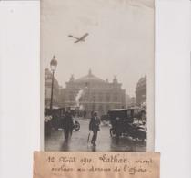 1910 LATHAN VIENT ÉVOLUER AU DESSUS DE L'OPERA 18*13CM Maurice-Louis BRANGER PARÍS (1874-1950) - Aviación