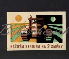 L1-235 CZECHOSLOVAKIA 1962 - Agriculture - Each Machine For 2 Work Shifts   - Tracked Tractor At Day And Night - Zündholzschachteletiketten