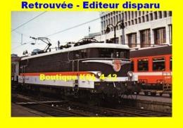 Rail Magazine 019 - Train - Loco BB 16047 En Gare De PARIS-NORD - SNCF - Matériel