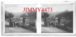 Plaque De Verre En Stéréo - Une Vieille Automobile Sur Une Route, à Identifier, - Taille 148 X 68 Mlls - Plaques De Verre