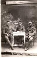 Studiofoto - Soldaten Am Tisch Sitzend Ca 1915-18 Unbekannt - Fotografie