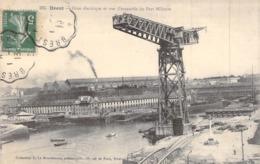 """CPA FRANCE 29 """"Brest, Grue électrique Et Port Militaire"""" - Brest"""
