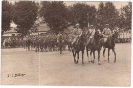 CPA ISERE.VIENNE.CARTE PHOTO.SOUVENIR DU 14 JUILLET 1916.DEFILE DU 11e HUSSARDS - Vienne