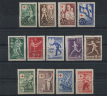 Finland 1943-46. 25 Stamps (not Mint - Lightly Hinged) - Finland