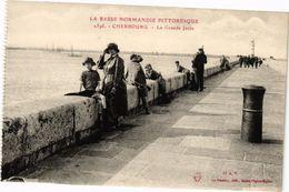 CPA La Basse Normandie Pittoresque - CHERBOURG - La Grande Jetée (245560) - Cherbourg