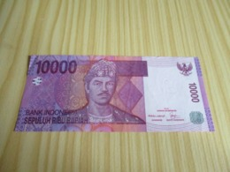 Indonésie.Billet 10000 Rupiah 2005. - Indonesien