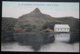 Tahiti Postcard. 43. Ile De Borabora. (Iles-sous-le-vent)  Village De Faanui - Tahiti