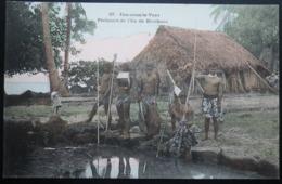 Tahiti Postcard. 37. Pecheurs De Ile De Borabora. (Iles-sous-le-vent) - Tahiti