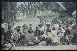 Tahiti Postcard. 36. Indigenes De Ile De Borabora. Chantant Un Hymene - Tahiti