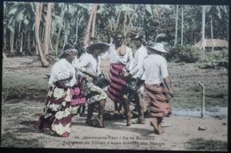 Tahiti Postcard. 34. Indigenes Du Village D'Anau Dansant Une, Upaupa. Ile De Borabora. (Iles-sous-le-vent) - Tahiti