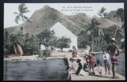 Tahiti Postcard. 45. Entree Du Village De Papatoai Le Temple. Ile De Moorea - Tahiti