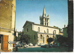 SAINT MARCELLIN - L'église - Voiture :  DS Citroen - 304 Peugeot - - Saint-Marcellin