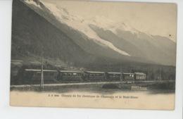 CHAMONIX MONT BLANC - Chemin De Fer électrique De Chamonix Et Le Mont Blanc (passage Train ) - Chamonix-Mont-Blanc