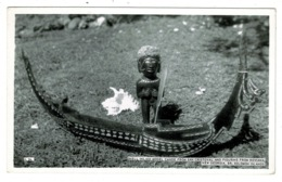 Ref 1328 - Real Photo Postcard - Shell Inlaid Canoe San Cristoval - British Solomon Islands - Solomon Islands