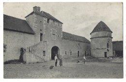 89 - Environs D'Avallon - Ancien Château De Montbelon, Cour, Colombier  1907 - Frankreich