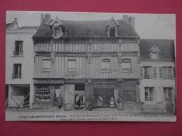 IVRY La BATAILLE_ Une Maison Normande Connue Sous Le Nom De Maison De L'Ange-Henri IV Y Coucha-Belle Animation- 1907 - Ivry-la-Bataille