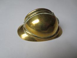 WW1 - Petit Casque Adrian Cuivre Et Laiton ( Bouteille à L'encre )  Travail De Tranchée - Poilus - Peu Commun - - Headpieces, Headdresses
