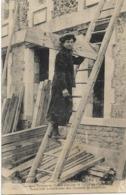 CARON JULIETTE -NEE LE 6 MAI 1882 A SENLIS-LA SEULE FEMME EN FRANCE EXERCANT LE METIER DE CHARPENTIER TRAVAILLANT .... - Kunsthandwerk
