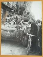 EQUIPAGE D'UN CHAR LIBERATION DE PARIS GUERRE WW2 PHOTO DE PRESSE 24 X 18 Cm PHOTO PRESSE LIBERATION - Guerre, Militaire