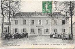 49 SAINT SYLVAIN - La Mairie Et Les Ecoles - Animée - France