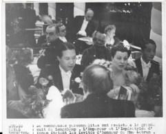 L'Empereur Bao Dai D'annam Invité Par Mme Lebrun  1939  Photo Studio HAVAS  Cachet Au Dos  18x13cm - Identified Persons