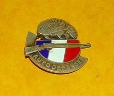 Groupes D'Autodéfense, Hérisson, émail, Dos Guilloché, Matriculé 04232, FABRICANT DRAGO PARIS, HOMOLOGATION SANS , BON E - Hueste