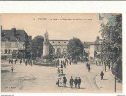10 TROYES LA GARE ET LE MONUMENT DES ENFANTS DE L AUBE CPA BON ETAT - Troyes