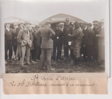 GRAND PRIX D'ANJOU A ANGERS Le Colonel Bouttiaux Causant A Un Concurrent 18*13CM Maurice-Louis BRANGER PARÍS (1874-1950) - Aviación