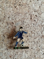 Pin's / Pins / Thème : Football / Jeux / LOTO SPORTIF / Joueur De Football - Football