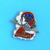 1 PIN'S //   ** FOUGA MAGISTER N°499 AF / 2 MILLIONS D'HEURES DE VOLS ** . (MG Diffusion) - Avions