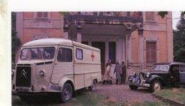 Citroen HY De La Croix Rouge Et D'une Citroen Traction   -   15x10cm  PHOTO - Camions & Poids Lourds