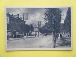 BERNAY. La Gare Et L'Avenue De La Gare. - Bernay