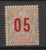 Madagascar - 1912 - N°Yv. 111A - Type Groupe 05 Sur 15c Gris - Variété Surcharge Espacée - Neuf * / MH VF - Nuevos