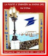 SUPER PIN'S LA POSTE : De La Ville D'HENGHIEN Les BAINS Dans Le Val D'Oise (95) Vue De Bord De Lac Signé DACG IND 1991 - Correo