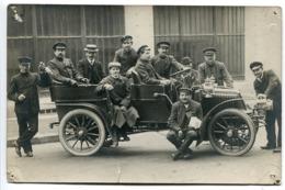 Photo Carte Véhicule Ancien Automobile Voiture à Capote * Très Animées Hommes Casquettes Uniformes - Passenger Cars