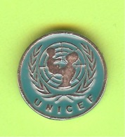Pin's Unicef- 4II28 - Pin