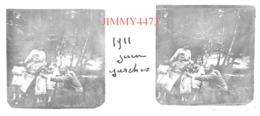 Plaque De Verre En Stéréo - Garches 92 Hauts De Seine - Une Famille Dans Les Bois En Juin 1911 - Taille 43 X 107 Mlls - Glasplaten